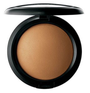 MAC Mineralize Powder         (Dark in my color)